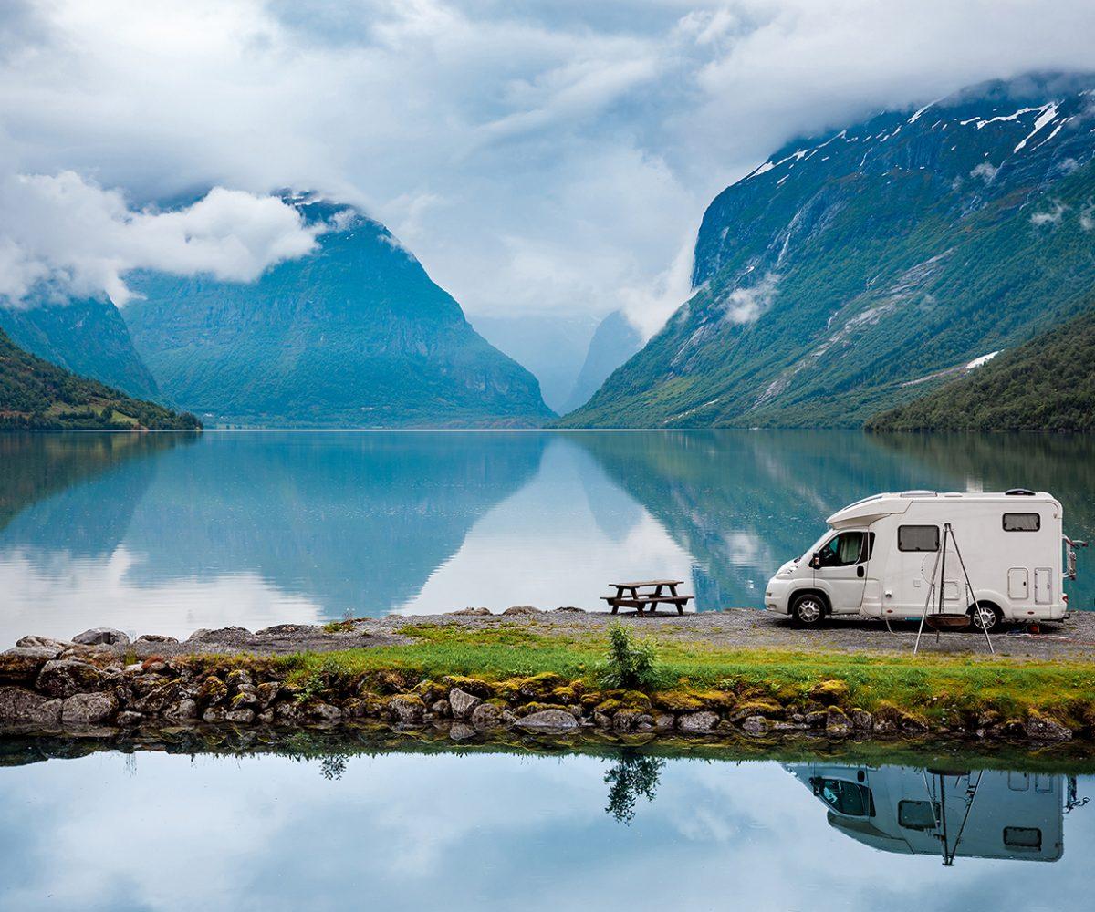 Wohnmobilvermietung, campingbus mieten, luxus camper, Caravan Verleih, womo, pickup offroad, bulli, ALKOVEN Knaus Carthago HOBBY Dethleffs Hymer Kopie